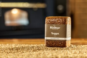 Product picture sprouted rye bread
